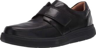Clarks Men's Shoe with Riptape Closure Sneaker