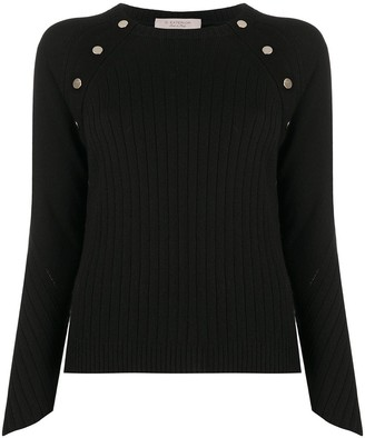 D-Exterior Button-Destail Jumper
