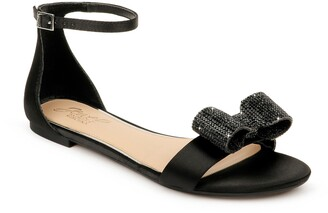 Badgley Mischka Una Flat Sandal