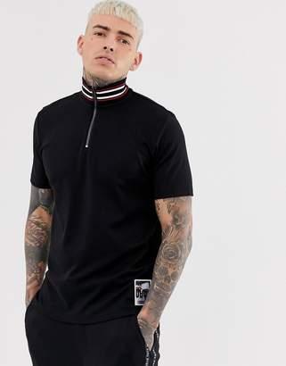 HUGO Daranto striped stand collar zip polo in black