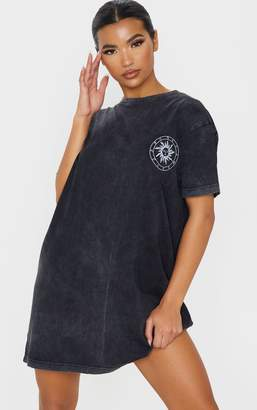 PrettyLittleThing Black Zodiac Signs Slogan Acid Wash T Shirt Dress