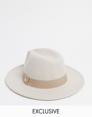 My Accessories London Exclusive fedora with buckle detail in ecru