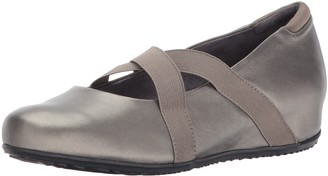 SoftWalk Women's Waverly Pewter Flat 10.5 M