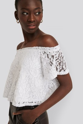 NA-KD Off Shoulder Lace Top