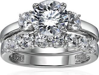 Amazon Collection Sterling Silver Platinum-Plated Swarovski Zirconia Three Stone Ring Size 7