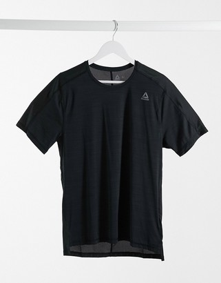 Reebok OST ActivChill move t-shirt in black