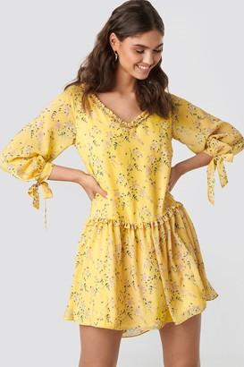 Kae Sutherland X NA-KD Ruffle V Neck Mini Dress Yellow