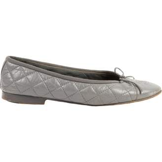 Chanel Grey Leather Ballet flats