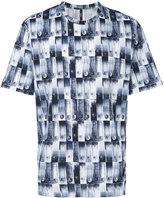 Versus safety pin print T-shirt - men - Cotton - S