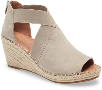 Gentle Souls Signature Colleen Wedge Sandal