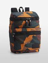 Calvin Klein Mens Reversible Zip-Around Backpack Ox Blood Camo