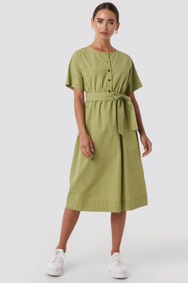 NA-KD Round Neck Button Up Midi Dress Green