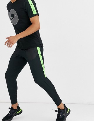 Nike Running Run Wild Pack Joggers in black