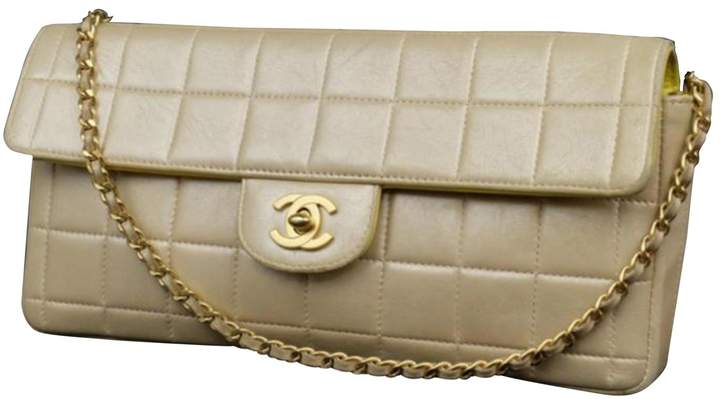059d767dbf39 Chanel East West - ShopStyle