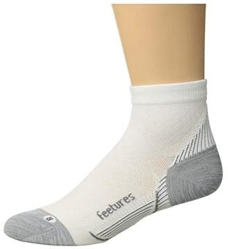 Feetures Plantar Fasciitis Relief Ultra Light Quarter (White) Quarter Length Socks Shoes