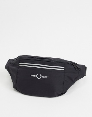 Fred Perry sports twill crossbody bag in black