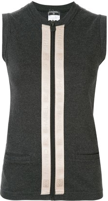 Chanel Pre-Owned 2002 sleeveless tops