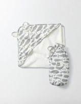 Boden Whales Super Soft Hooded Towel