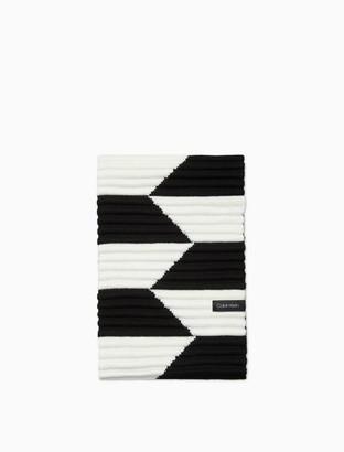 Calvin Klein Pleated Knit Geometric Loop Scarf
