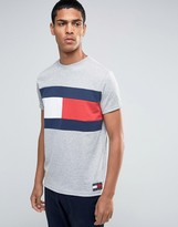 Tommy Jeans 90s Flag T-Shirt in Gray Marl
