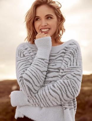 Forever New Debra Knitted Zebra Jumper - Iced Grey - l