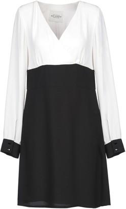 RUE 8ISQUIT Short dresses