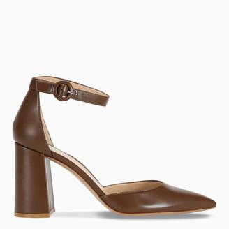 Gianvito Rossi Brown leather pumps