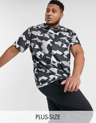 Nike Training Plus t-shirt in geometric camo print-Black