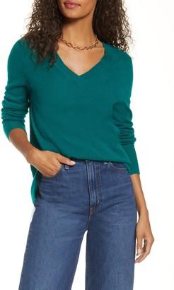 Halogen V-Neck Cashmere Sweater