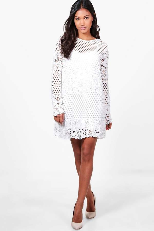 boohoo Boutique Georgia Lace Panelled Shift Dress