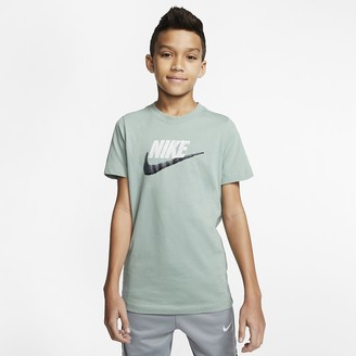Nike Big Kids' (Boys') T-Shirt (Extended Size Sportswear