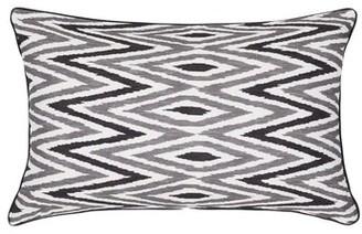 """Madura Zebide Cotton Chevron Pillow Cover Color: White and Gray, Size: 15.7"""" x 15.7"""""""