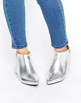 London Rebel Silver Point Side Zip Boots