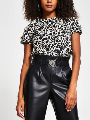 River Island Leopard Print Turnback Sleeve T-shirt - White