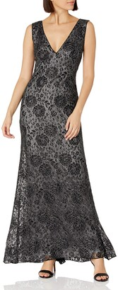 SHO Women's SLVLESS LACE Gown W/DEEP V
