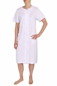 Miss Elaine Embroidered Short-Sleeve Snap Robe