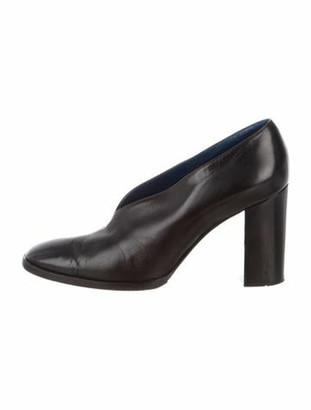 Celine V-Neck 90 Leather Pumps Black