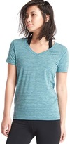 Gap GapFit Breathe spacedye V-neck tee