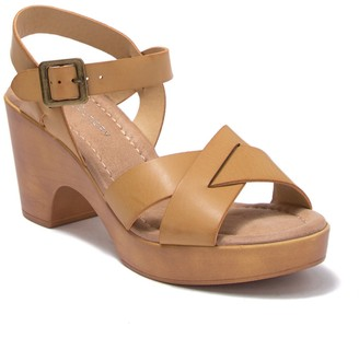Chinese Laundry Cl By Laundry Alya Woodgrain Block Heel Open Toe Sandal