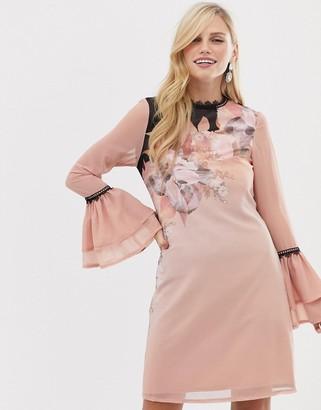 Little Mistress Little Mistres floral detail long sleeve flute shift dress-Pink