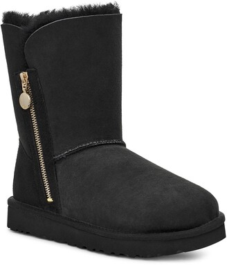 UGG Bailey Short Boot