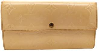 Louis Vuitton Sarah Beige Patent leather Wallets