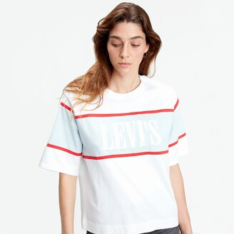 Levi's Cropped Cotton T-Shirt in Loose Fit with Serif Logo