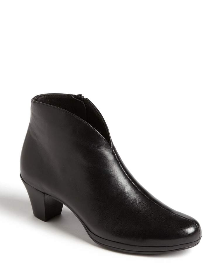 Munro American 'Robyn' Boot