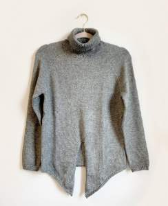 Jet Set Vita Grace Sweater - M/L - Grey