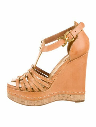 Chloé Leather T-Strap Sandals Tan