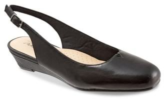 Trotters Lenore Wedge Pump