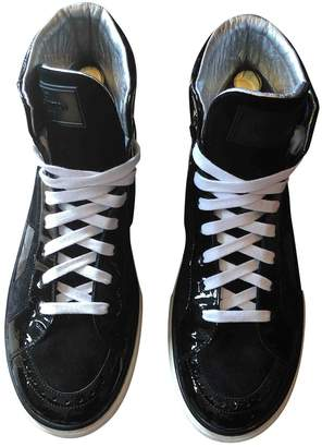 Louis Vuitton Black Patent leather Trainers