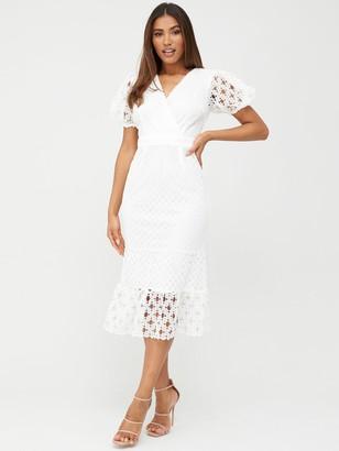 Very Fluted Hem Lace Midi Dress - White