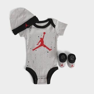 Nike Boys' Infant Jordan Speckled Jumpman 3-Piece Hat and Booties Box Set